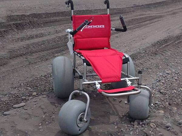 silla-de-ruedas-todo-terreno-asistida2